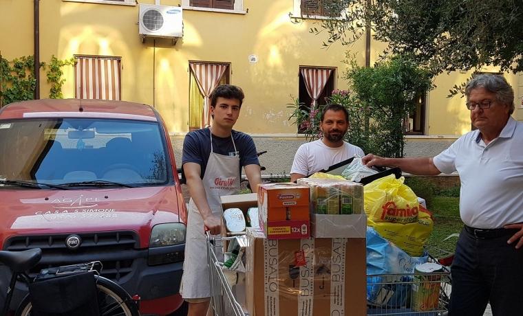 consegna a Casa San Simone Mantova Caritas